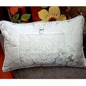 Divina-Pillow-back.jpg