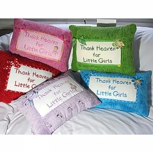 Chenielle-1-Thank-Heavan-for-Little-Girls-group-pic.jpg