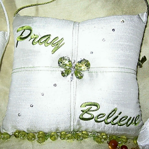 Pray-Believe-Scented-Sachet-Pillow-White-with-Green-front2.jpg