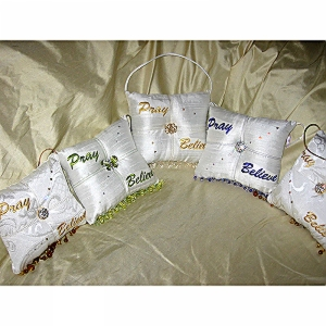 Pray-Believe-Scented-Sachet-Pillow-White-with-Green-group-pic.jpg